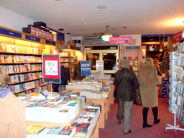 """My """"Gutsy"""" Book Signing at WHSmith Paris"""