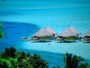 World___Thailand_Huts_on_stilts_on_the_island_of_Koh_Samui__Thailand_061760_-700x525