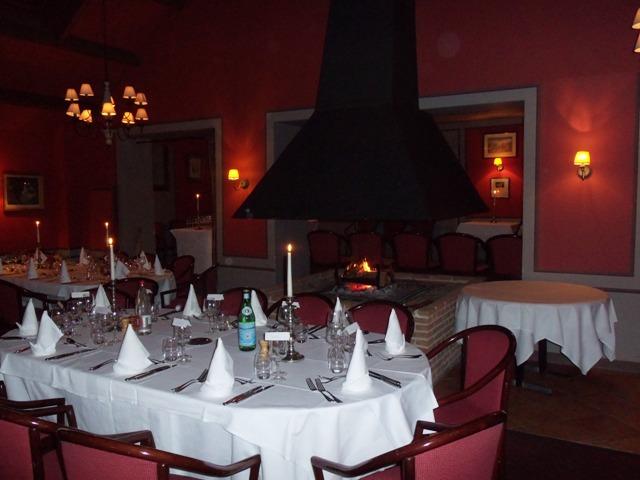 jills-empty-restaurant